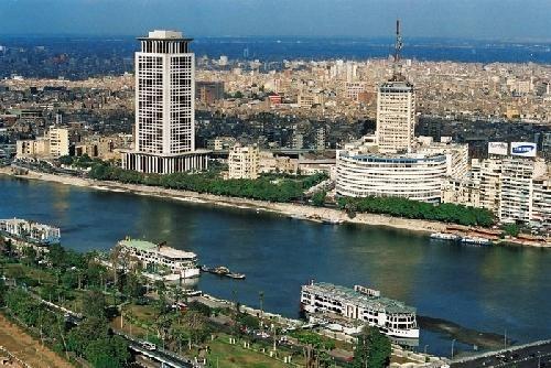 """محافظ القاهرة يتفقد منطقة """"باب الوزير"""" ويؤكد على استمرار تطوير الأحياء التراثية"""