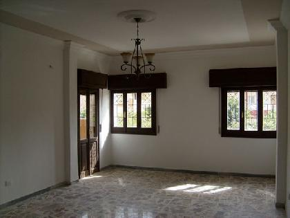 Rent Chalet - 5 Rooms - Tripoli - 250 meter - 6500 Libyan dinar month