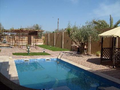 Rent Chalet - 6 Rooms - Tripoli - 2500 meter - 22000 Libyan dinar month